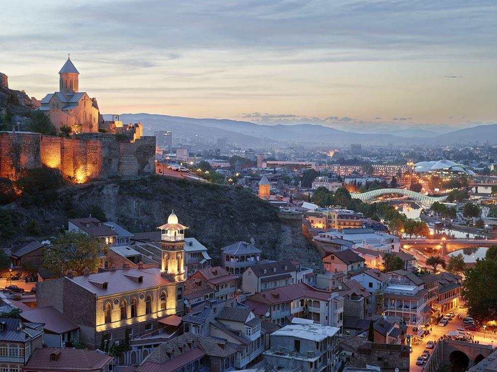 Скопи на старость: в Грузии заработала накопительная пенсионная система