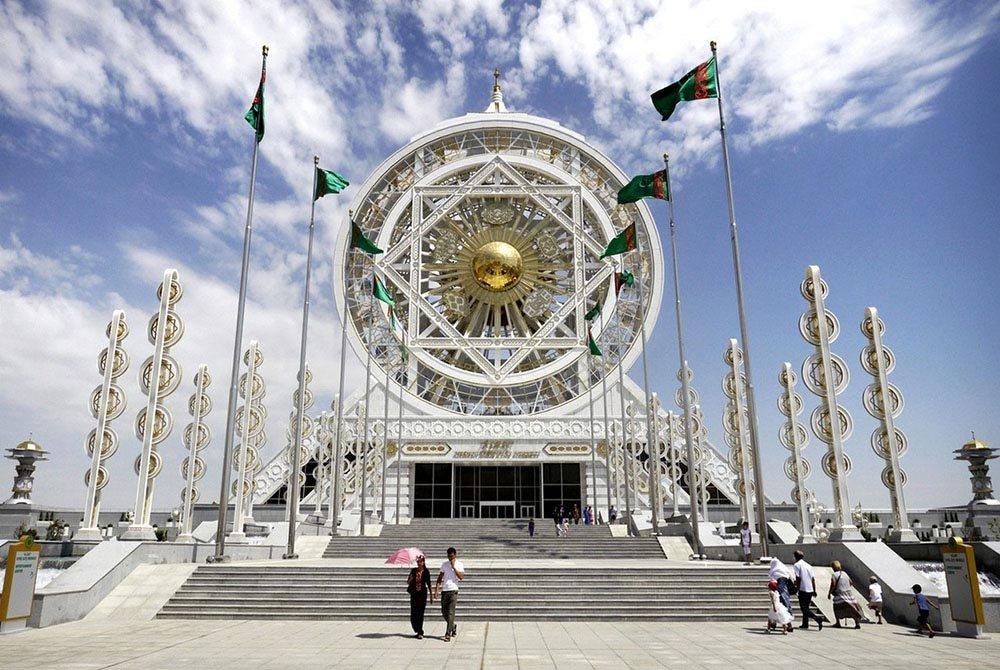 Как живут люди в Туркменистане в 2020 году